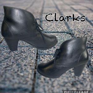 Women's Clarks black heels